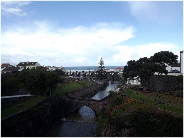 We had lunch in Ribeira Grande, a lovely town and we experienced delicious food at a restaurant chosen by the tour guide.