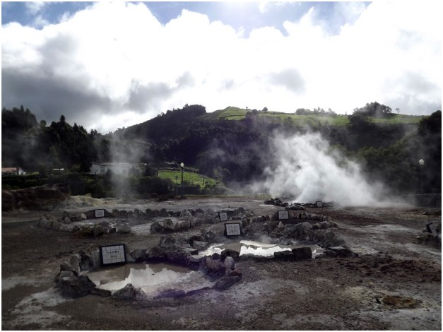 Geysers and hot springs in the centre of Furnas.