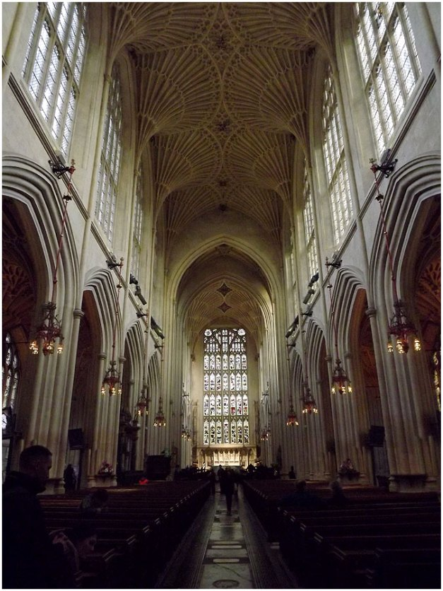 The nave of Bath Abbey.