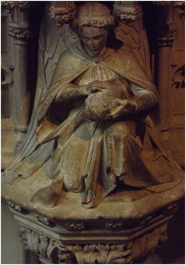 A statue in the abbey, such beautiful artwork...