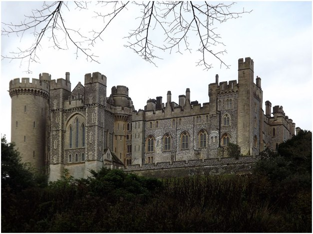 Arundel Castle: is a restored medieval castle in Arundel, West Sussex, England. It was founded by Roger de Montgomery on Christmas Day 1067.